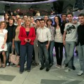 "Con l'Università visitando gli studi di ""Chi l'ha visto?"". Una foto ricordo con la conduttrice - With the University, visiting the studios of ""Chi l'ha visto?"" TV programme. A memory photo with the programme anchorwoman"